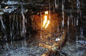 Ngọn lửa cháy trong thác nước Vĩnh cửu tại New York Mỹ